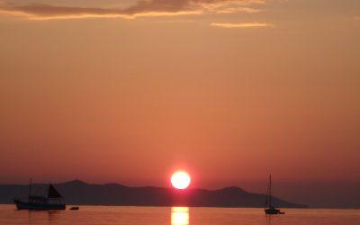 108 salutations au soleil : accueillir l'été